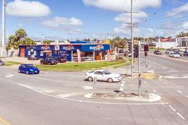 For Lease - High Profile Showroom On Redland Bay Road