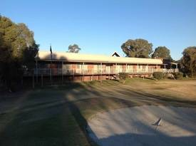 Mid-murray Oasis On The Victorian-nsw Border - Beautifully Presented 20 Room Leasehold Motel Plus Residence - Very Profitable And Easy-to-run P.o.a